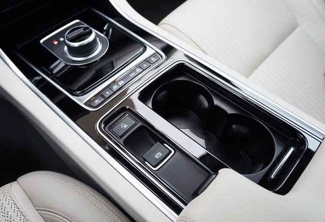 2017 Jaguar XF 35t Prestige - Hartford CT area Volkswagen dealer